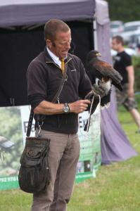 053 The falconer